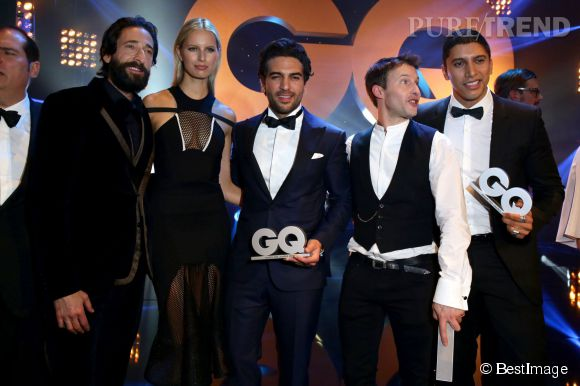 Karolina Kurkova aux côtés d'Adrien Brody et de James Blunt pour les GQ Men of the Year Awards.
