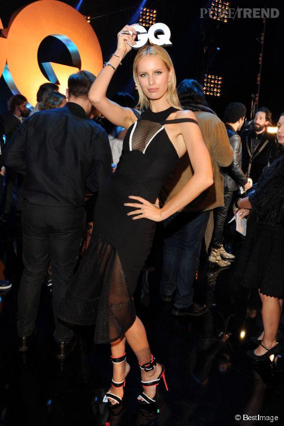 Karolina Kurkova a offert un shooting décalé aux photographes présents lors de la soirée.