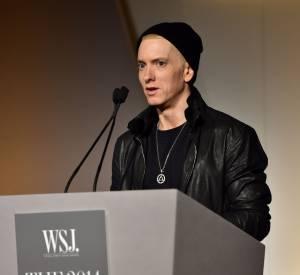 """Eminem a pris la parole pour rendre hommage à Dr Dre et Jimmy Iovine : """"deux forces de la nature""""."""