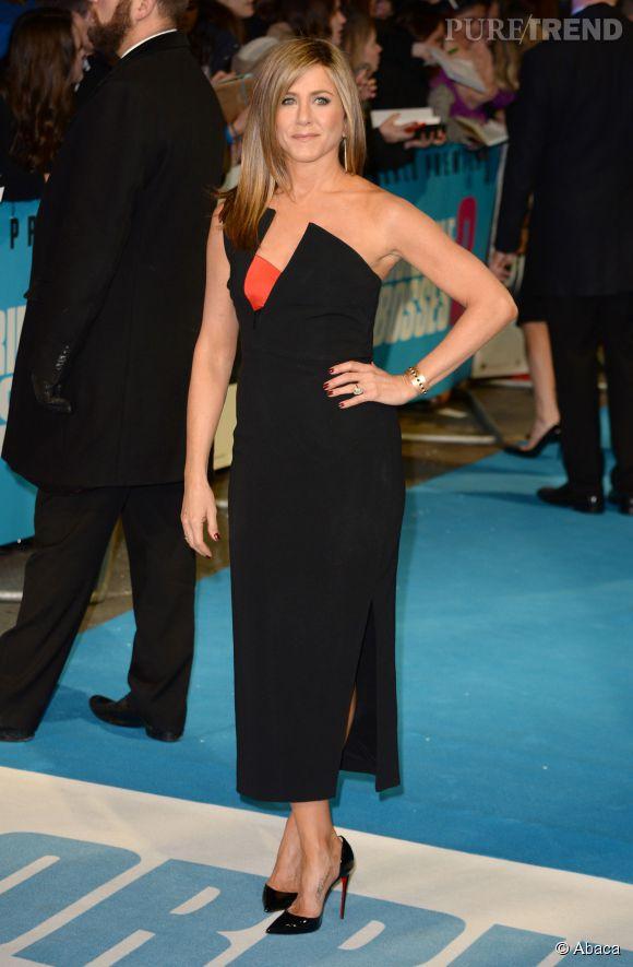Jennifer Aniston, à tomber dans une création Antonio Berardi.