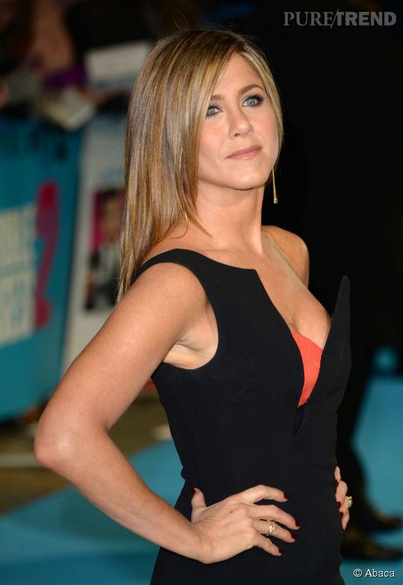 """Jennifer Aniston à l'avant-première de """"Comment tuer son boss 2"""" à Londres."""