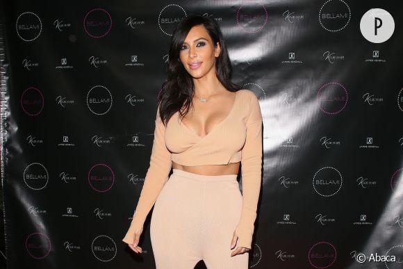 """Kim Kardashian va faire son entrée dans la maison """"Bigg Boss"""" le 22 novembre 2014. On espère qu'elle sera plus habillée."""