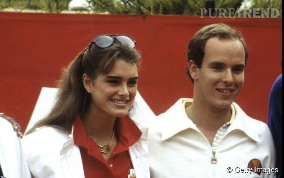Brooke Shields en 1979 :  aux côtés du Prince Albert de Monaco, l'une de ses nombreuses conquêtes.