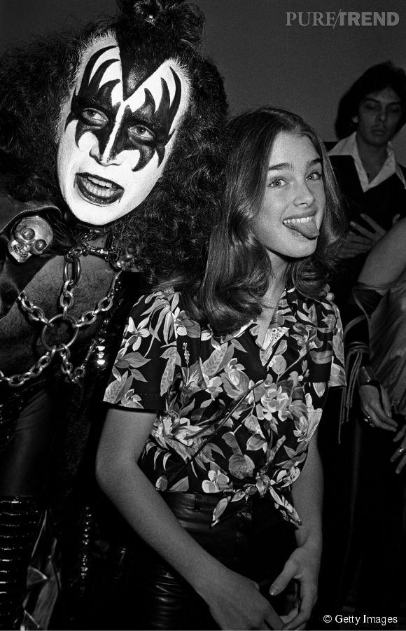 Brooke Shields en 1977 :  avec Gene Simmons de Kiss, la petite Brooke a 12 ans et joue les groupies à merveilles.