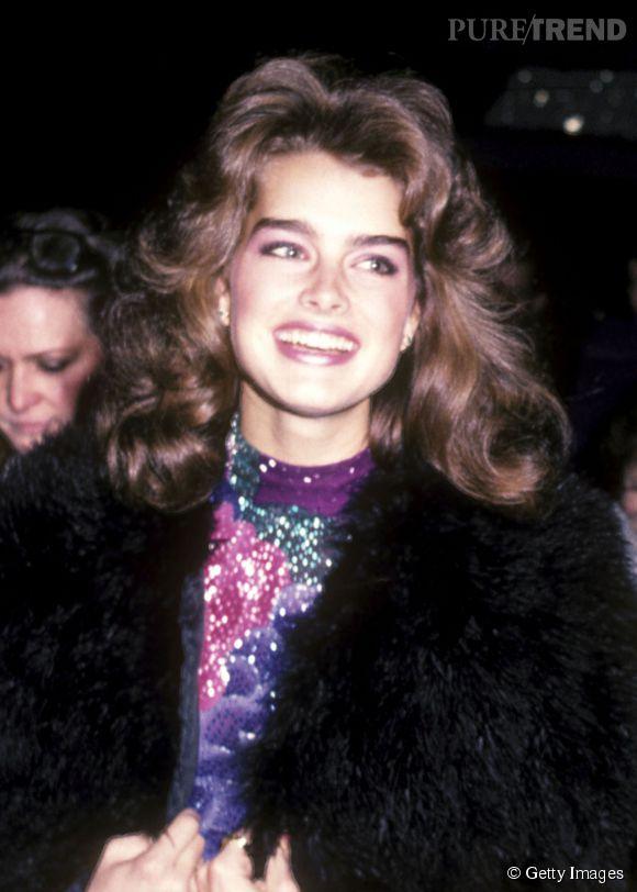 Brooke Shields en 1982 :  à 17 ans, elle est déjà la reine du brushing hollywoodien.