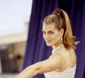 Brooke Shields en 1997 : dans les 90's, elle est Susan, star du petit écran. Sur red carpet elle assure question glamour.