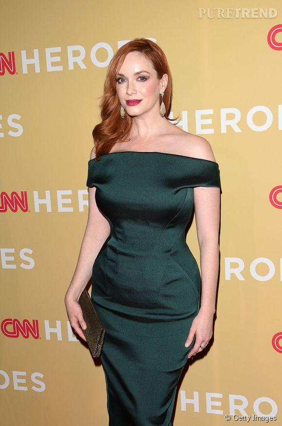 Christina Hendricks absolument divine dans un look rétro pour les 2014 CNN Heroes, le 18 novembre à New York.