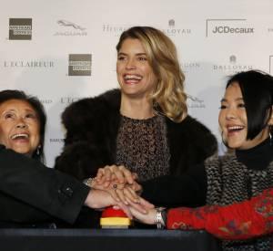 Alice Taglioni a inauguré ce mardi 18 novembre 2014 les illuminations de la rue du Faubourg Saint-Honoré, à Paris.