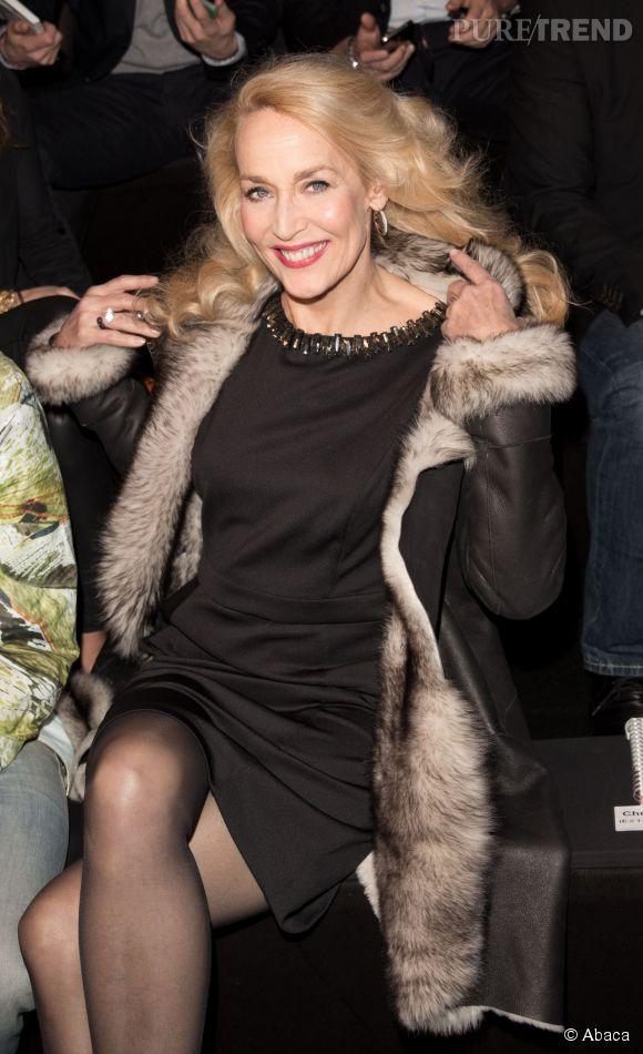 Jerry Hall : à 58 ans, l'ancienne mannequin star est totalement contre la chirurgie esthétique.