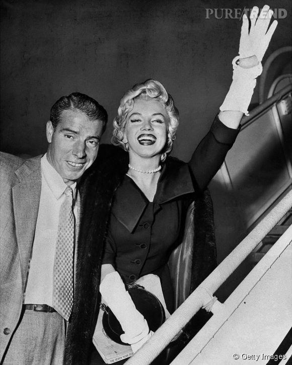 En janvier 1954, Marilyn Monroe épouse Joe DiMaggio, un joueur de base-ball. Leur mariage durera neuf mois.