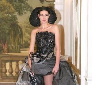 Helena Noguerra : la brune incendiaire en 10 looks sexy