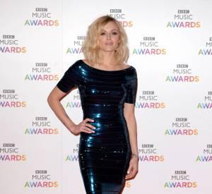La présentatrice de la soirée Fearne Cotton brille en Hervé Léger aux BBC Awards 2014 à Londres le 11 décembre.