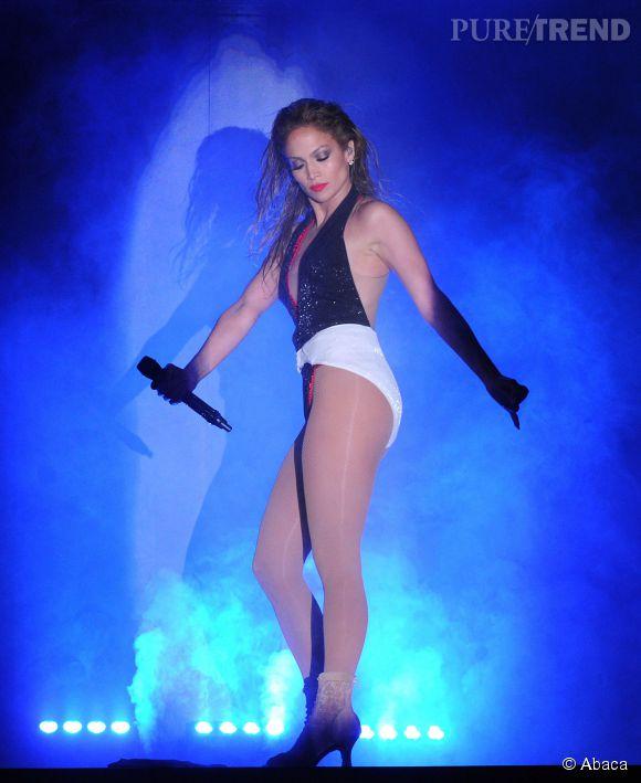 Jennifer Lopez : à 45 ans, la star mise toujours sur le body sur scène.