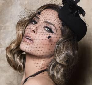 Clara Morgane, la mère Noël la plus sexy de 2014