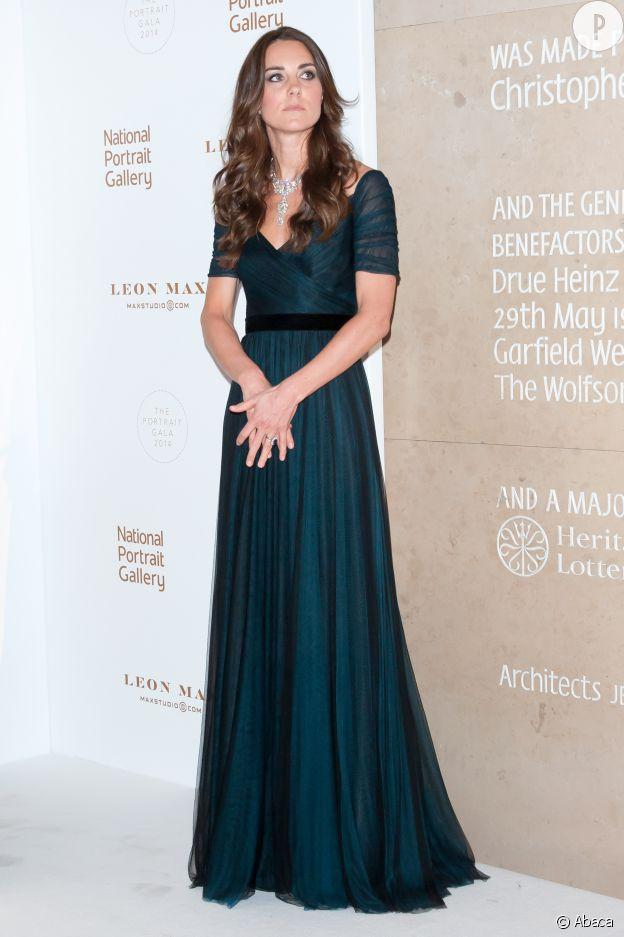 Kate Middleton, une vraie princesse au Portrait Gala 2014 organisé à Londres au mois de février.