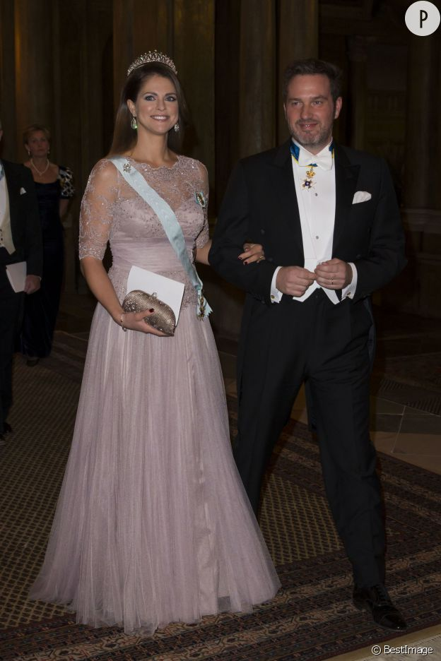 La princesse Madeleine de Suède, royale au bras de son époux, Christopher O'Neill.