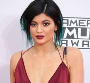 Kylie Jenner : selfie ventre à l'air et regard coquin, 2015 commence fort !