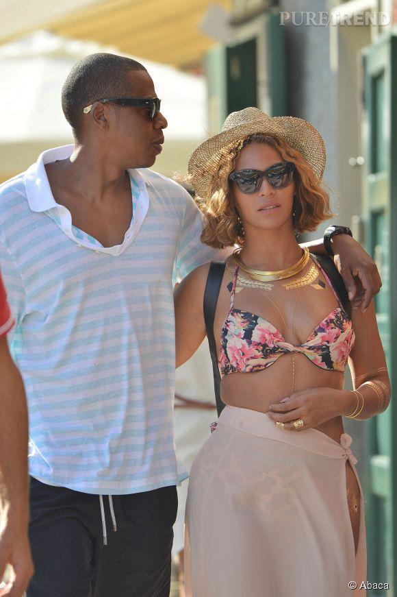 Beyoncé et Jay-Z s'offrent actuellement des vacances en Asie. Touristes, ils sont loin de se douter qu'un de leur clichés est au  coeur  d'une polémique sur la cruauté envers les animaux.
