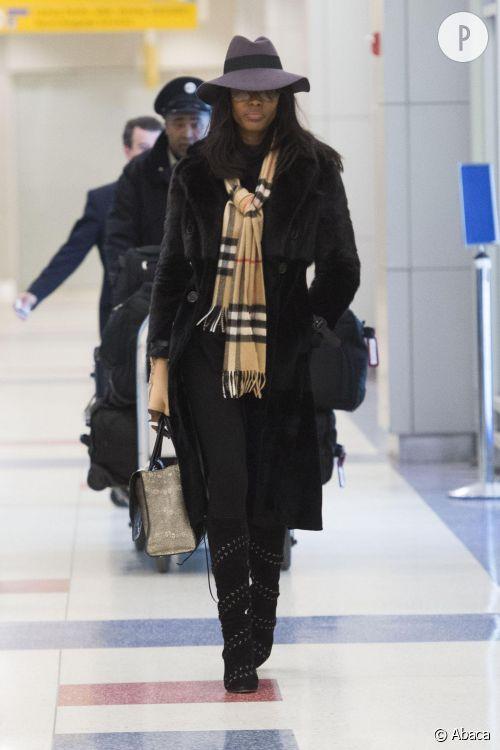 Naomi Campbell à l'aéroport : à shopper.