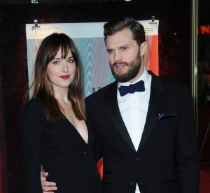 """Dakota Johnson : ultra sexy aux côtés de Jamie Dornan pour """"50 nuances de Grey"""""""