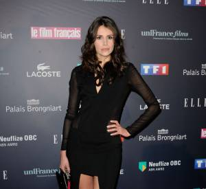 Louise Monot sobre et élégante pour les Trophées du Film Français.