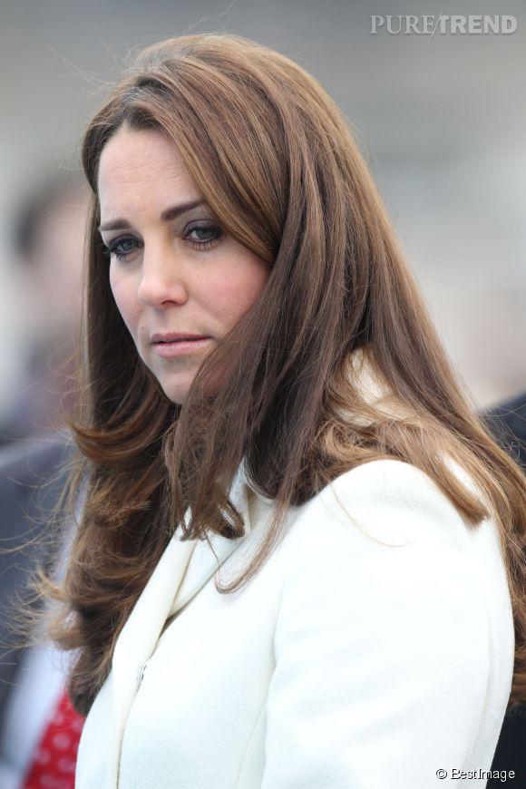 Kate Middleton fait passer un message grave grâce à une vidéo YouTube.