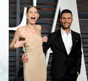Behati Prinsloo : catastrophe téton aux Oscars, Adam Levine à son secours !