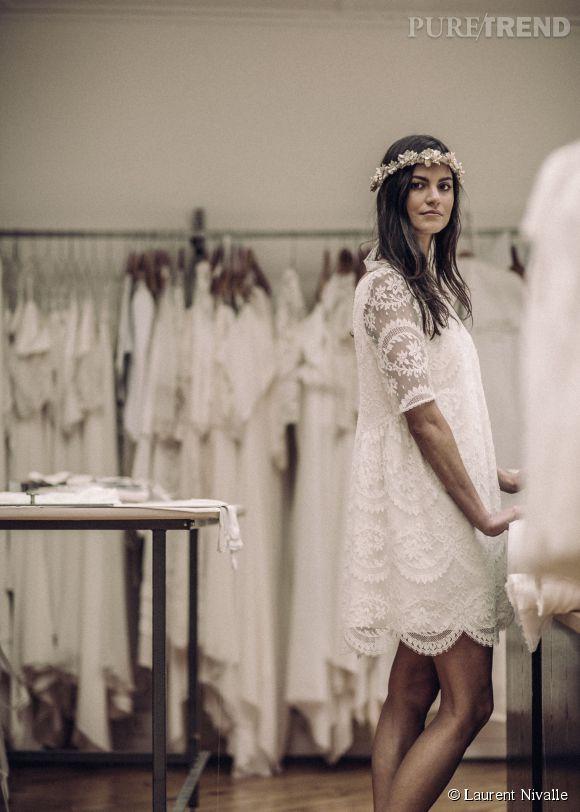 """Collection """"mariage civil"""" Laure de Sagazan. Robe """"Prévert"""", une création en dentelle 100% bohème."""