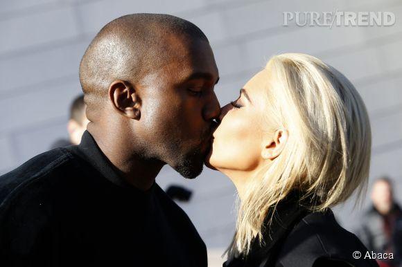 Kim Kardashian et Kanye West ne se gênent pas en public.