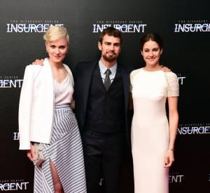 """L'auteur Veronica Roth, Theo James et Shailene Woodley à la première de """"Divergente 2"""" à Londres le 11 mars 2015."""