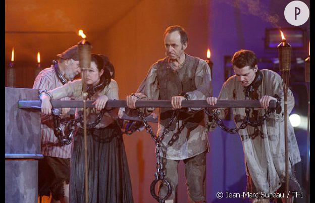 Les Enfoirés jouent aux prisonniers.
