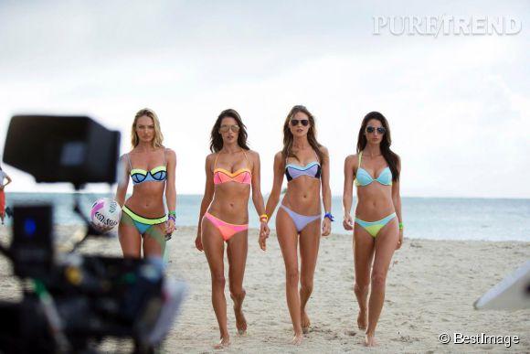 Alessandra Ambrosio sur l'un de ses nombreux shootings en bikini.