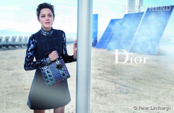 Marion Cotillard pose dans la nouvelle campagne Lady Dior 2015.