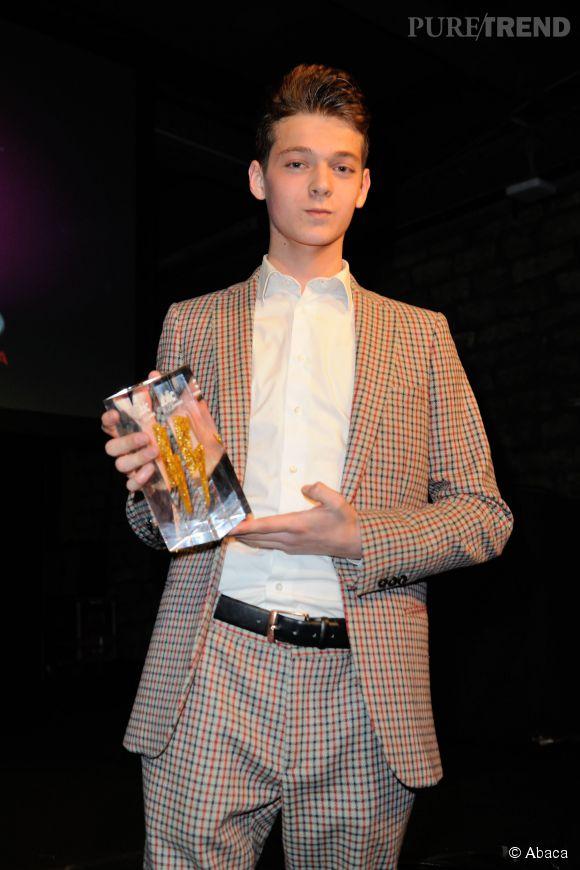 Léonard Trierweiler a remporté le Public Clash Buzz Awards, lors de la première cérémonie de remise de prix organisée par le magazine people.