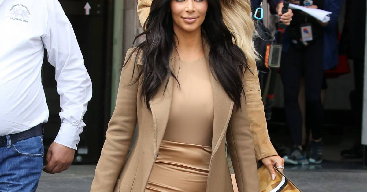 Kim Kardashian A Retrouve Ses Cheveux Longs Et Ses Looks De Gold