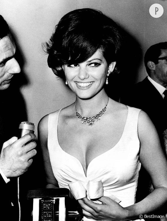 Claudia Cardinale à Rome en 1967.