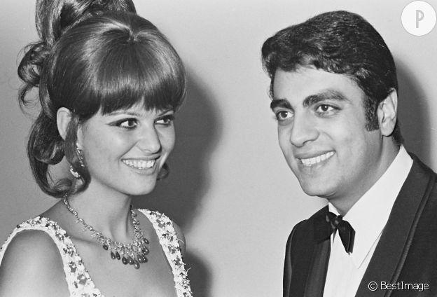Claudia Cardinale et Enrico Macias lors de la remise des prix Triomphe du cinéma.