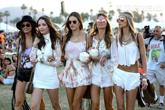 Alessandra Ambrosio et ses copines canons à Coachella en avril 2015.