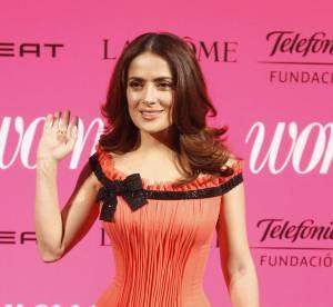 Salma Hayek : pin-up sexy en robe corset, elle fait de l'ombre à Letizia Ortiz