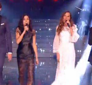 Jenifer a mis le feu à la toile avec sa robe effet poils de corbeau pour la finale de The Voice...