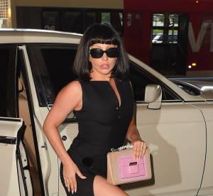 Lady Gaga fendu hallucinant pour une apparition méconnaissable
