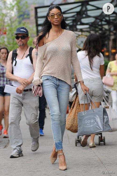 Chanel Iman dans les rues de New York ce mardi 5 mai 2015.