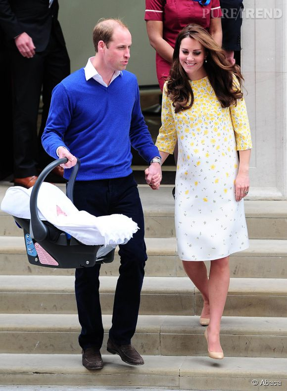 Kate Middleton se fait aider dans son quotidien de jeune maman par sa mère Carole. On ne sait pas ce que pense William de l'intrusion de sa belle-mère.