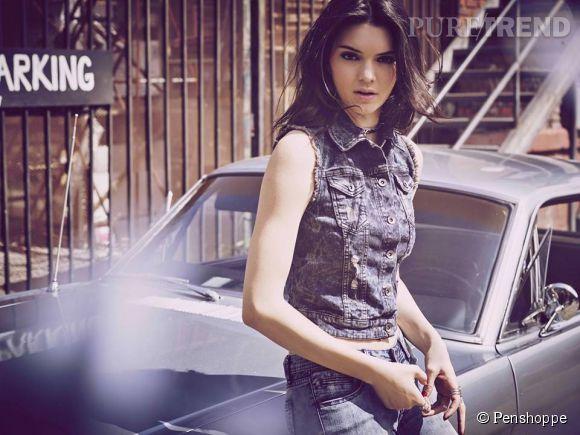Kendall Jenner pose avec une voiture de collection pour Penshoppe.