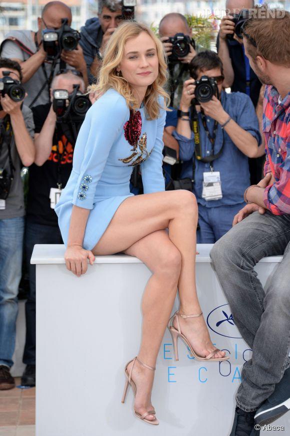 Diane Kruger dévoile ses jambes interminables sur la Croisette, samedi 16 mai 2015.