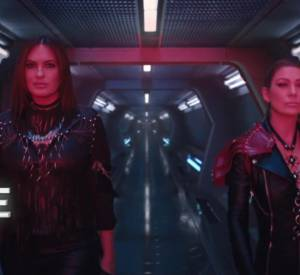 "Justice et Luna, campée respectivement par Mariska Hargitay et Ellen Pompeo dans ""Bad Blood"" de Taylor Swift."