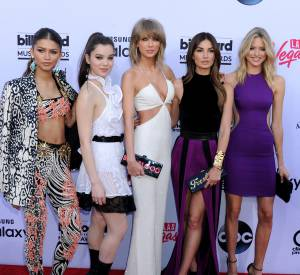 Zendaya Coleman en Fausto Puglisi, Hailee Steinfeld en Givenchy, Taylor Swift et Lily Aldridge en Balmain et Martha Hunt aux Billboard Music Awards 2015 à Las Vegas le 17 mai.