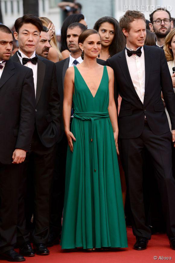 """Natalie Portman, sublime en robe Lanvin lors de la montée des marches du film """"Sicario"""", ce mardi 19 mai 2015."""