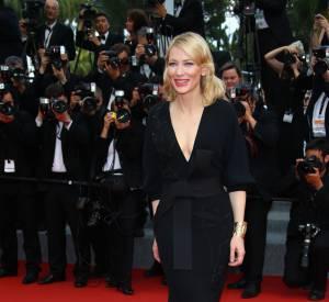 """Cate Blanchett en Armani Privé lors de la montée des marches du film """"Sicario"""", ce mardi 19 mai 2015."""