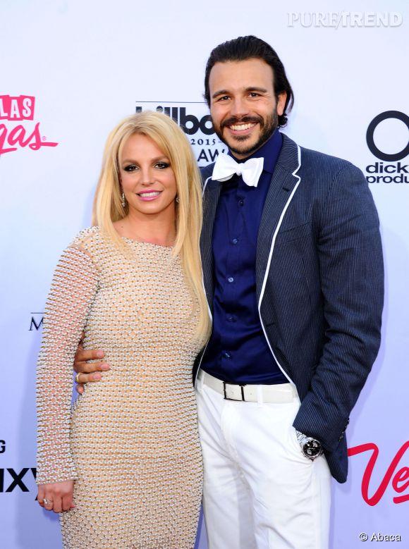 Britney Spears et Charlie Ebersol ont fait leur premier tapis rouge ensemble il y a trois jours, aux Billboard Music Awards.